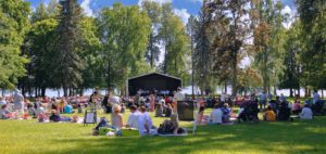 Laukon kartano puistokonsertti konserttipuisto Tampereen seutu kesäretki